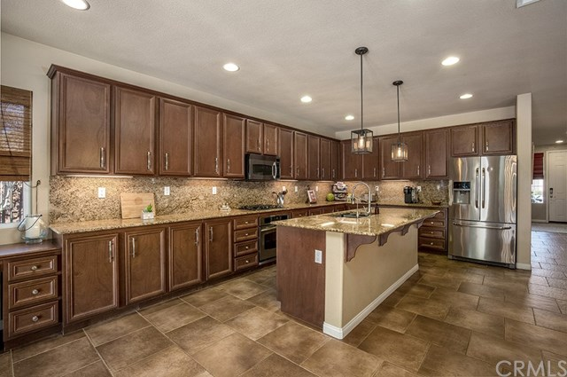 Active Under Contract |  Winchester, CA 92596 10