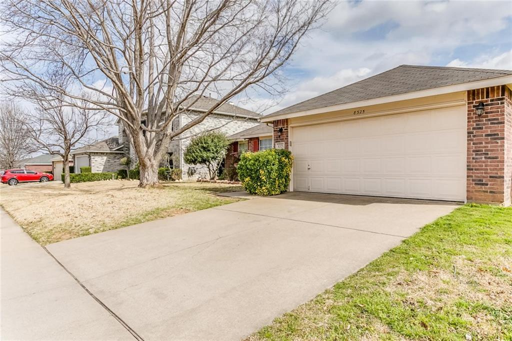 Sold Property | 8325 Clearbrook Drive Fort Worth, Texas 76123 3