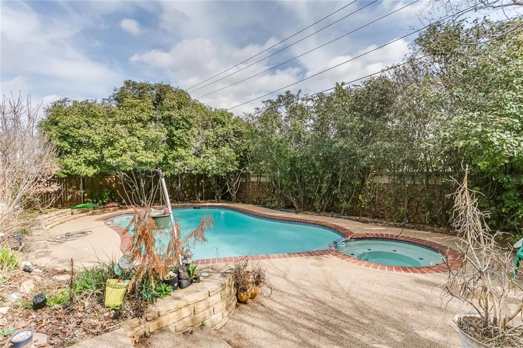 Sold Property | 8325 Clearbrook Drive Fort Worth, Texas 76123 5