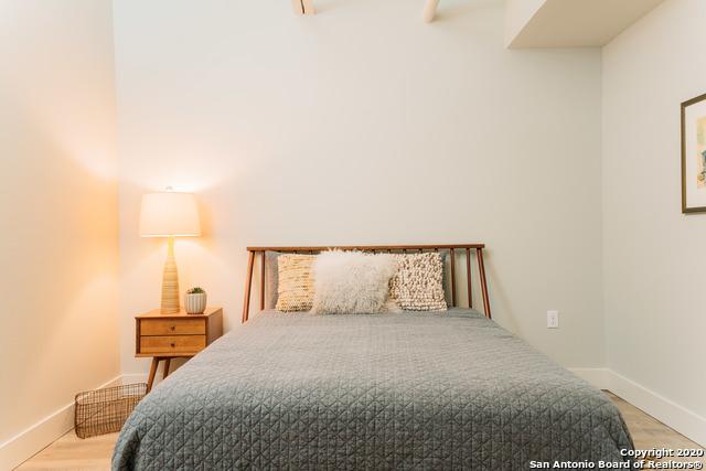 Price Change | 210 W Peden San Antonio, TX 78204 19