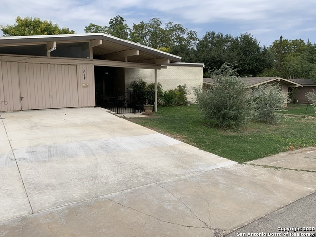 Fully Furnished home w/ pool & hot tub for rent in SA, TX 78216 | 615 Oblate Dr San Antonio, TX 78216 2