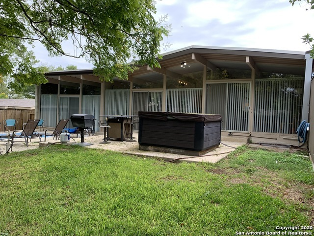 Fully Furnished home w/ pool & hot tub for rent in SA, TX 78216 | 615 Oblate Dr San Antonio, TX 78216 22