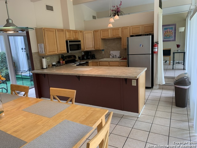 Fully Furnished home w/ pool & hot tub for rent in SA, TX 78216 | 615 Oblate Dr San Antonio, TX 78216 10