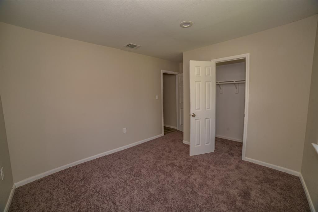 Pending | 706 Sherwood  Drive Pasadena, TX 77502 11