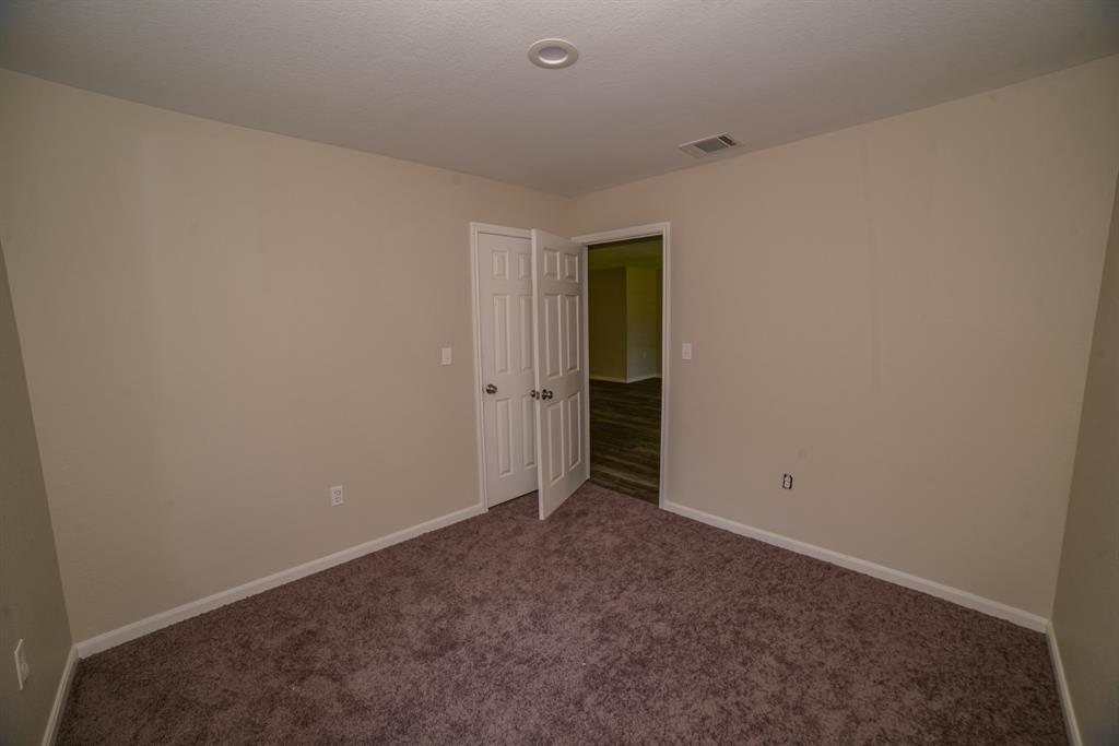 Pending | 706 Sherwood  Drive Pasadena, TX 77502 14