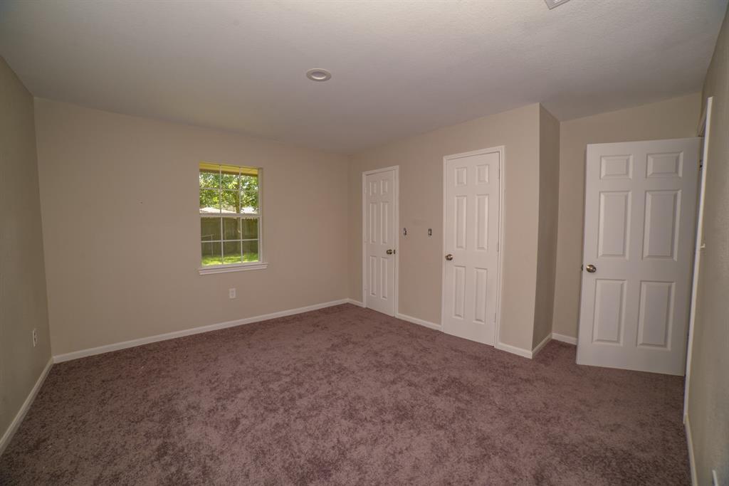 Pending | 706 Sherwood  Drive Pasadena, TX 77502 17