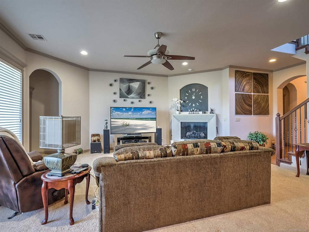 Active | 4212 N Lions Court Broken Arrow, OK 74012 5