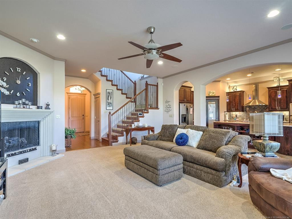 Active | 4212 N Lions Court Broken Arrow, OK 74012 6