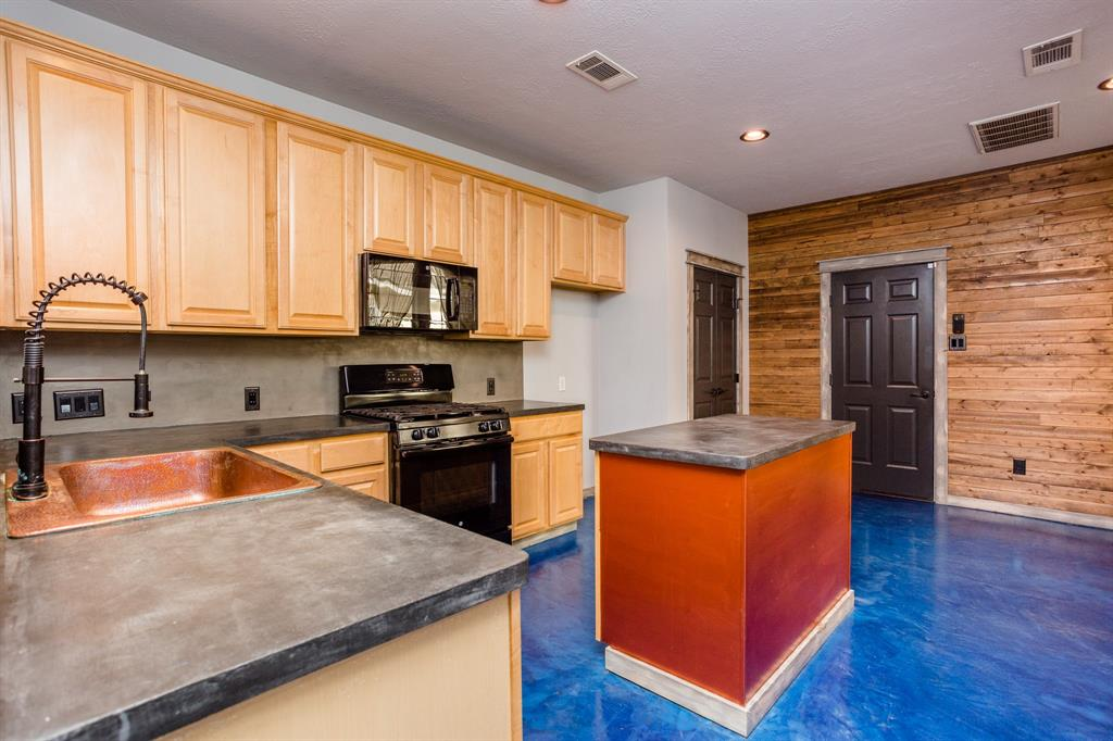 Active | 34 Wintergreen  Trail The Woodlands, TX 77382 12