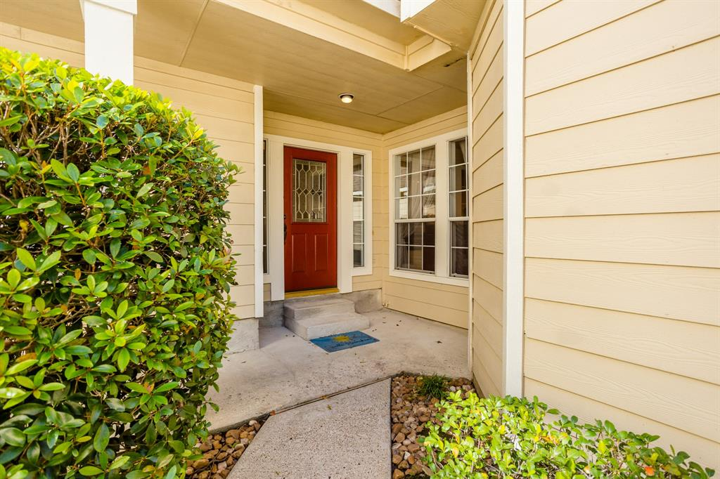 Active | 34 Wintergreen  Trail The Woodlands, TX 77382 3