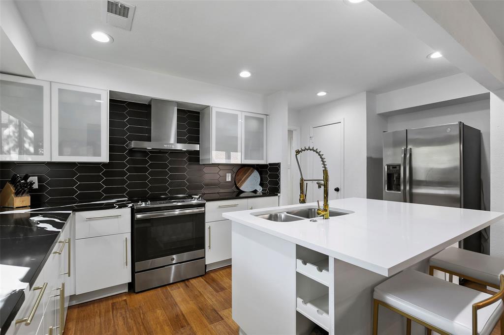 Sold Property | 7342 Highland Glen Trail Dallas, Texas 75248 11