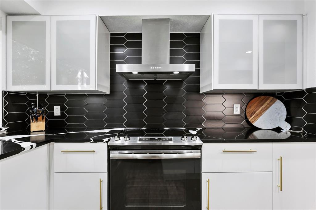Sold Property | 7342 Highland Glen Trail Dallas, Texas 75248 12