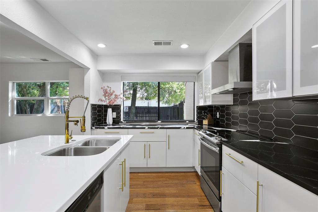 Sold Property | 7342 Highland Glen Trail Dallas, Texas 75248 13