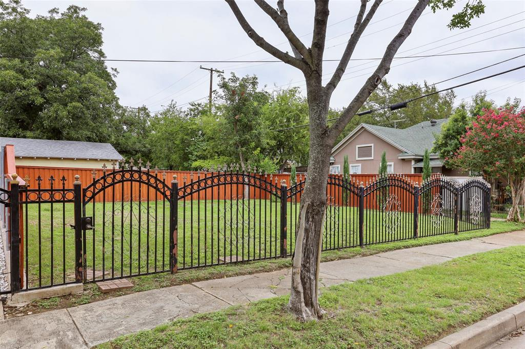 Active Option Contract | 615 Neches  Street Dallas, TX 75208 4