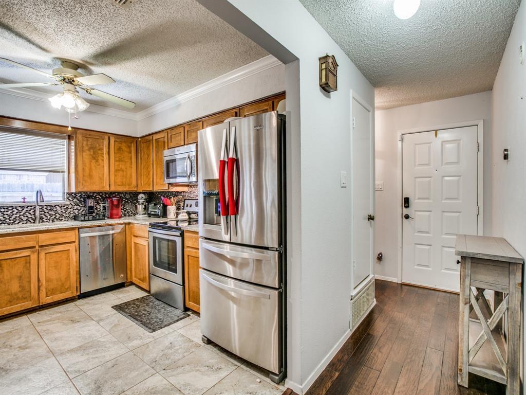 Sold Property | 803 Shady Glen Lane Bedford, Texas 76021 4
