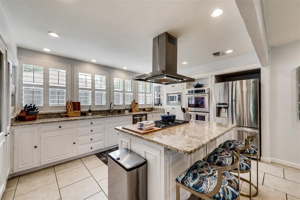 Sold Property   10947 Wonderland  Trail Dallas, TX 75229 10
