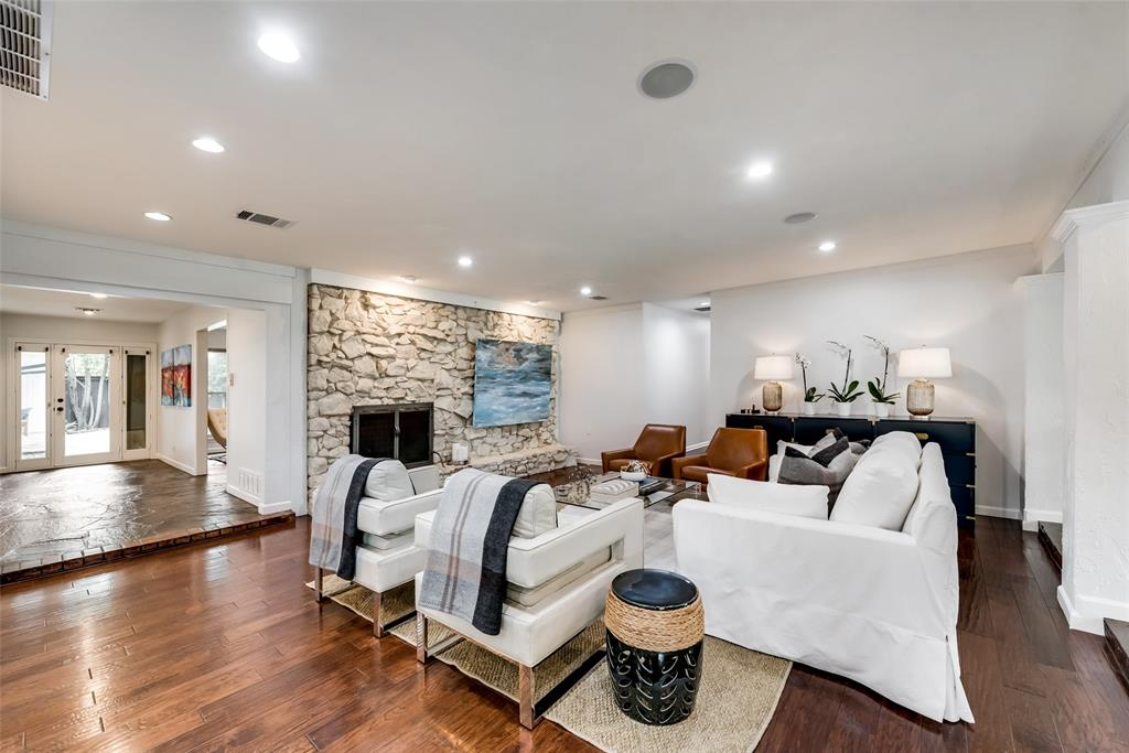 Sold Property   10947 Wonderland  Trail Dallas, TX 75229 3