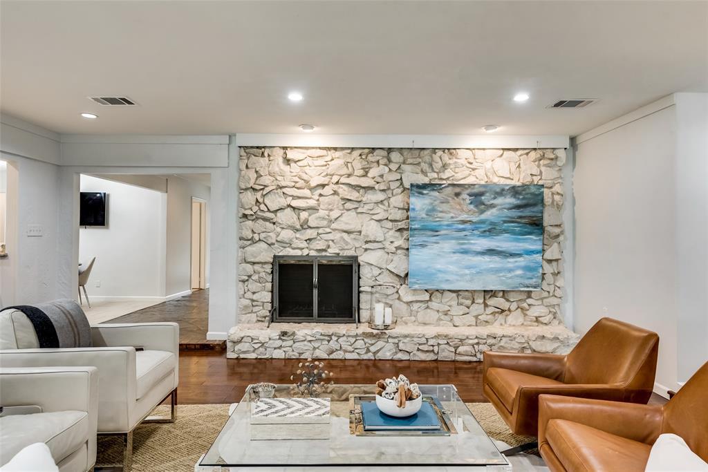 Sold Property   10947 Wonderland  Trail Dallas, TX 75229 4