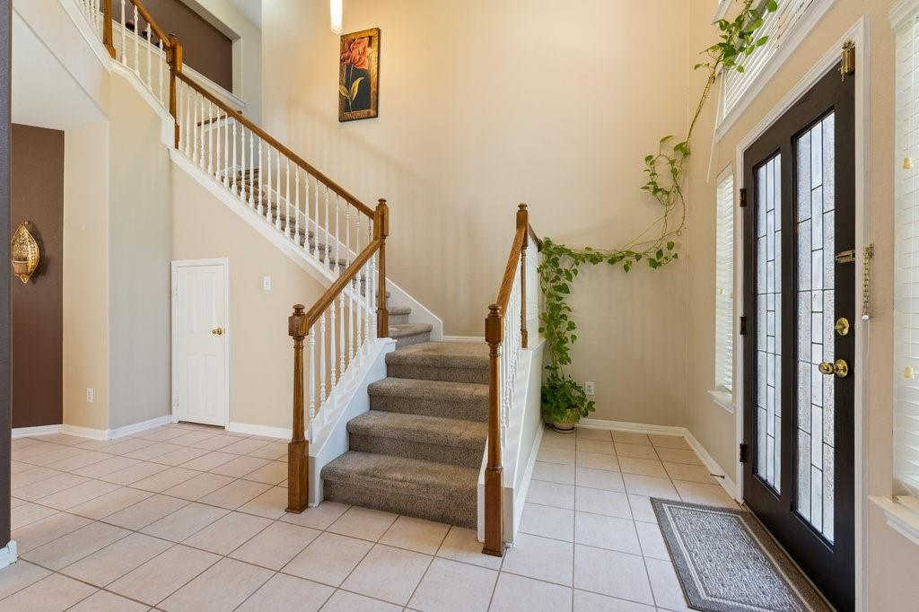 Active Under Contract   1911 Creole  Drive Austin, TX 78727 2
