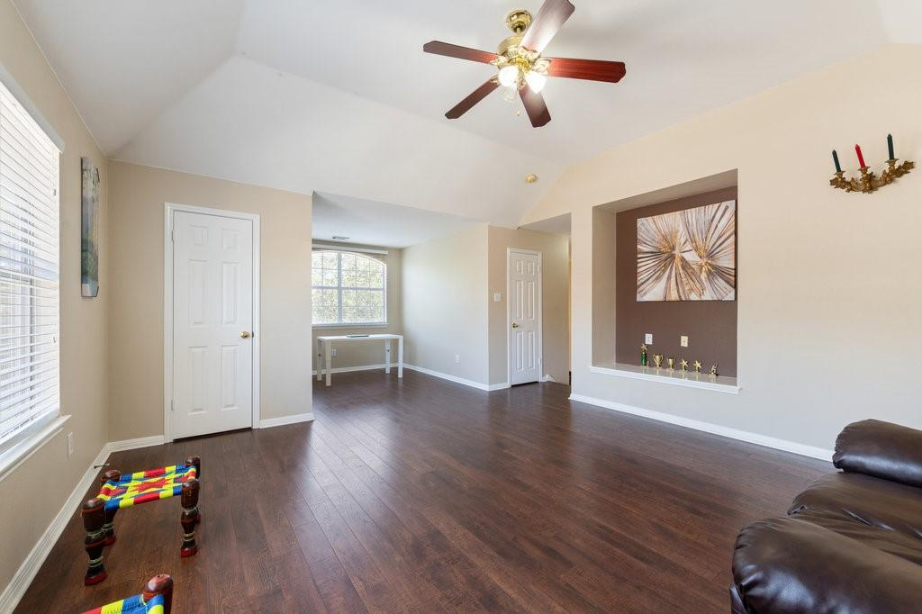 Active Under Contract   1911 Creole  Drive Austin, TX 78727 25