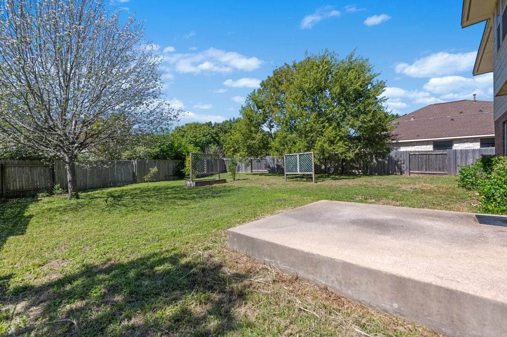 Active Under Contract   1911 Creole  Drive Austin, TX 78727 32
