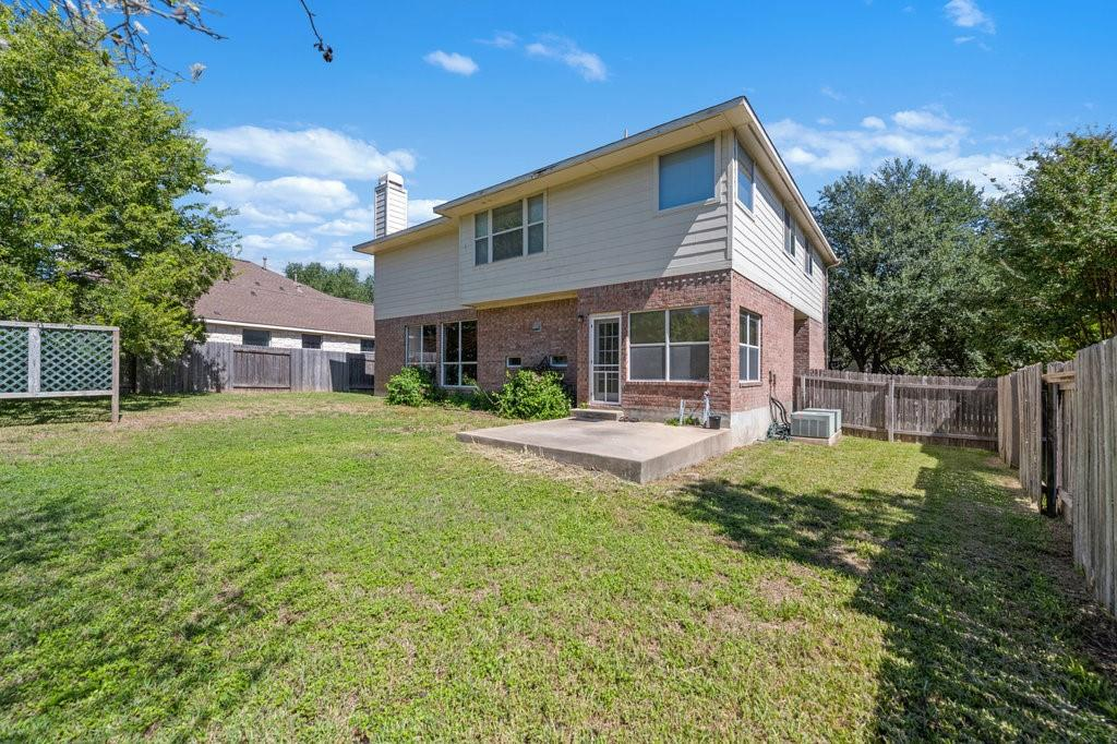 Active Under Contract   1911 Creole  Drive Austin, TX 78727 33
