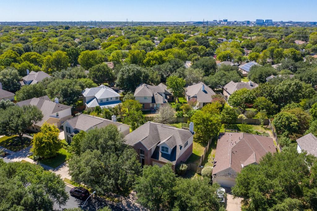 Active Under Contract   1911 Creole  Drive Austin, TX 78727 36