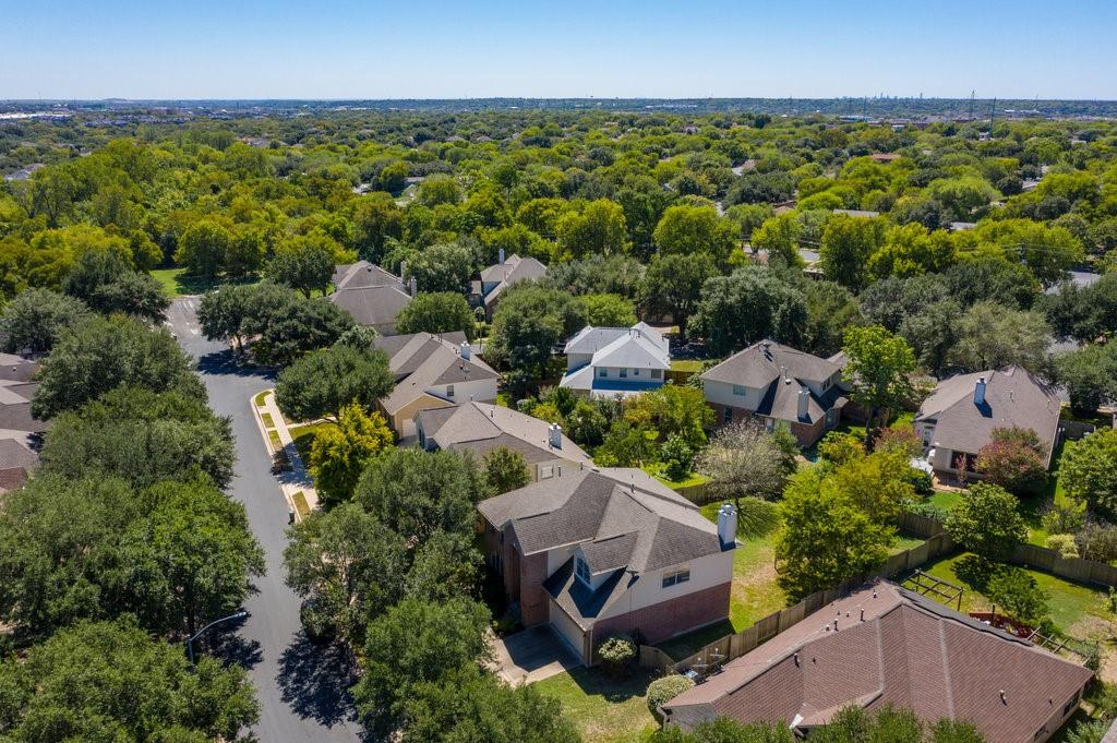 Active Under Contract   1911 Creole  Drive Austin, TX 78727 37