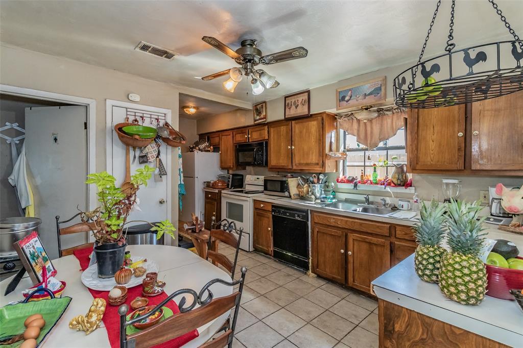 Active   8528 6th Street Frisco, Texas 75034 10