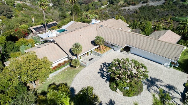 Closed | 27 Buggy Whip Drive Rolling Hills, CA 90274 1