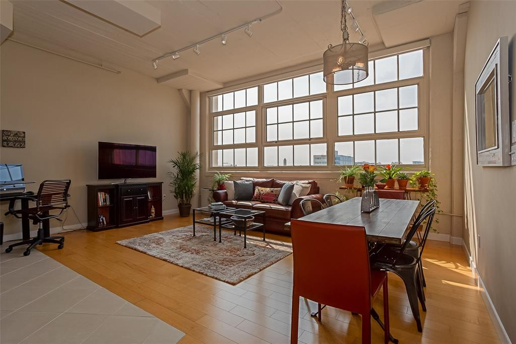 Active | 2600 W 7th  Street #1525 Fort Worth, TX 76107 21