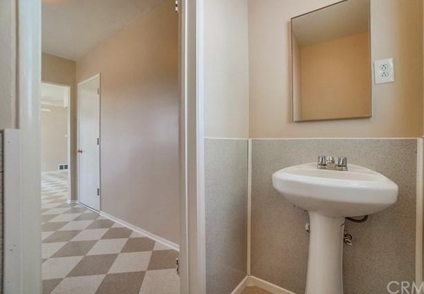 Closed | 8241 Malachite Avenue Rancho Cucamonga, CA 91730 4