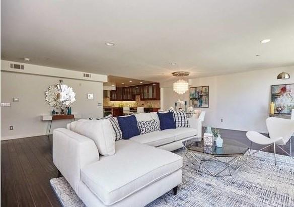 Active | 1544 7th  Street #12A Santa Monica, CA 90401 7