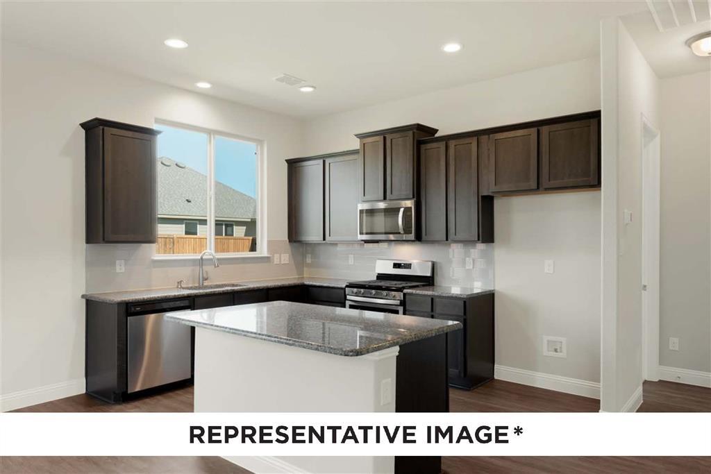 Pending   814 Stamford  Avenue Arlington, TX 76002 15