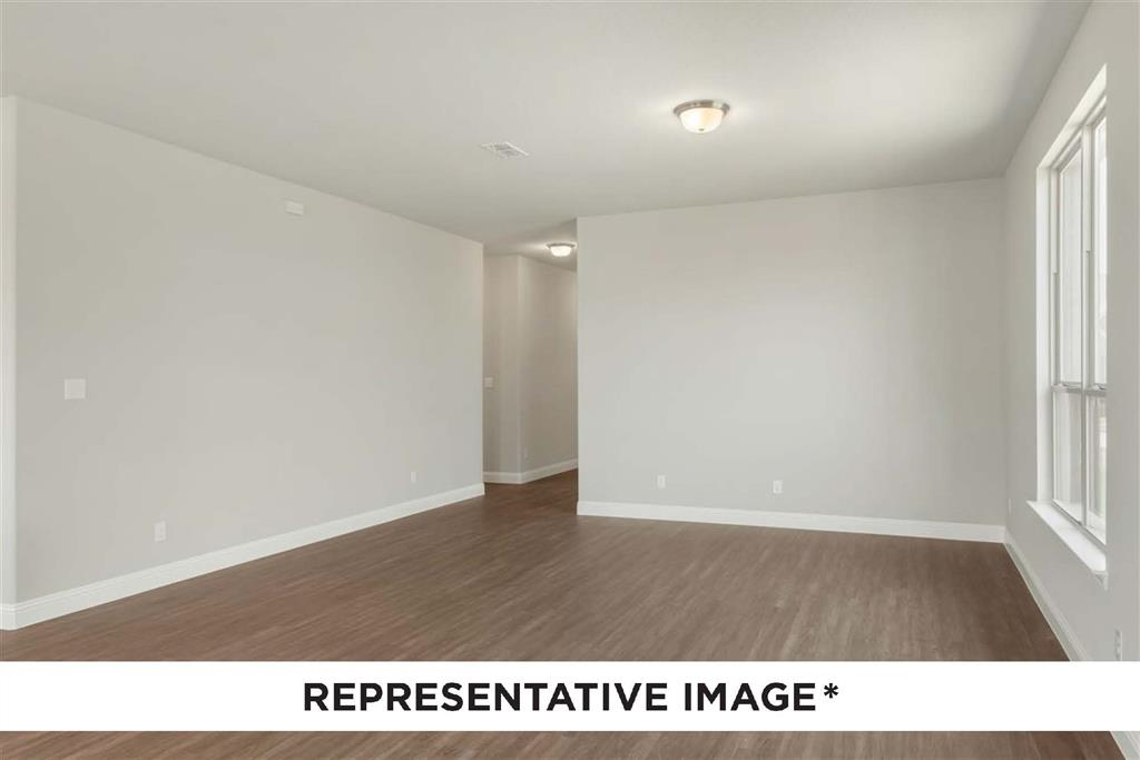 Pending   814 Stamford  Avenue Arlington, TX 76002 6