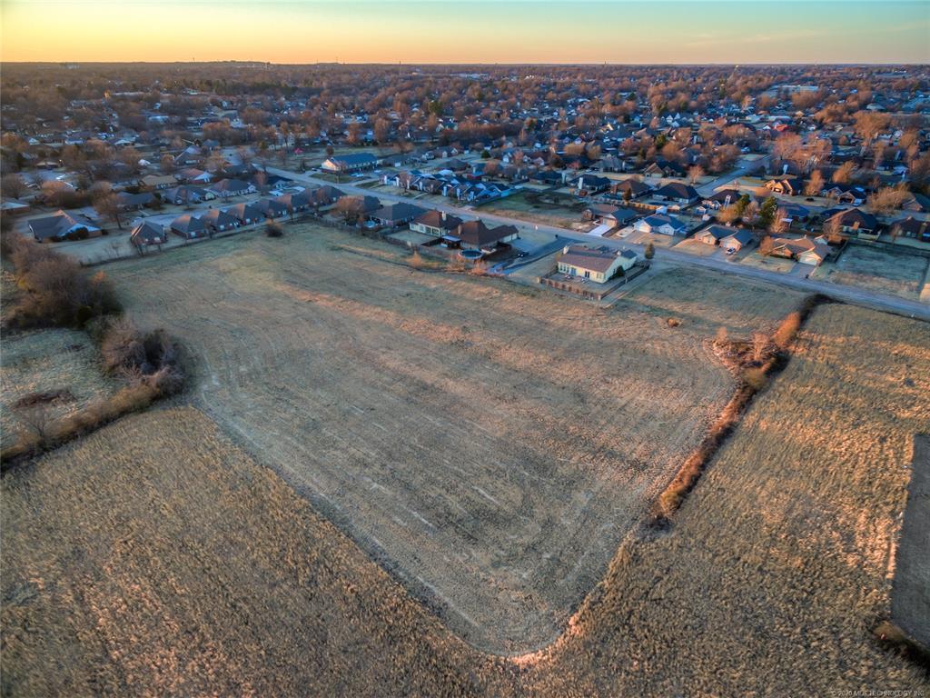 Off Market | 9803 Gawf Lane Muskogee, Oklahoma 74401 1