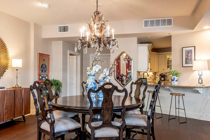 Active | 411 W 7th Street #206 Fort Worth, Texas 76102 1