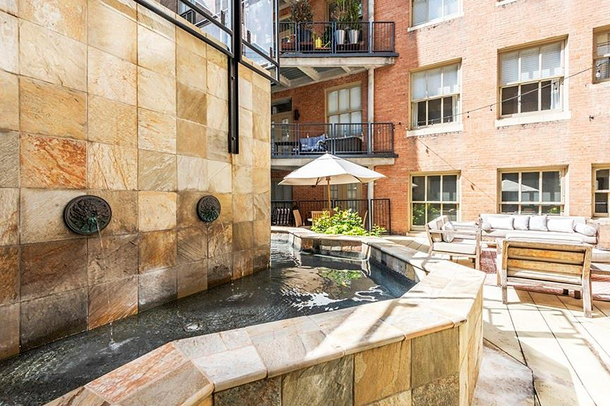 Active | 411 W 7th Street #206 Fort Worth, Texas 76102 17