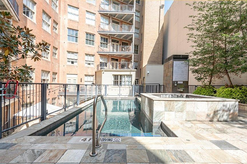 Active | 411 W 7th Street #206 Fort Worth, Texas 76102 18