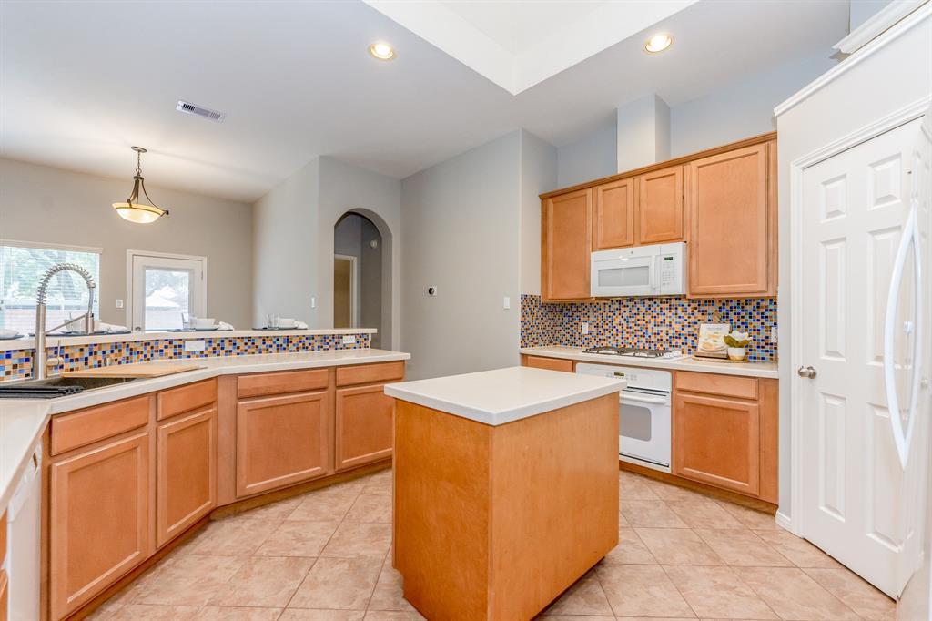 Pending | 2405 Bay Spring  Street Pearland, TX 77584 15