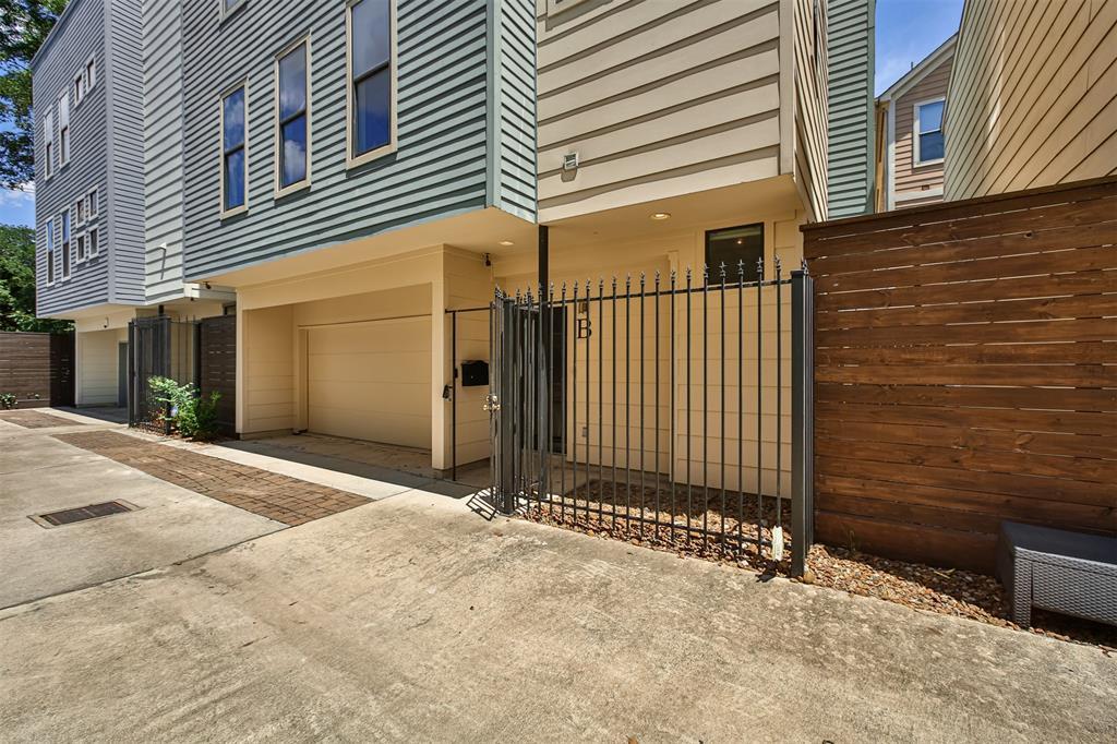 Pending | 3013 Polk  Street #B Houston, TX 77003 22