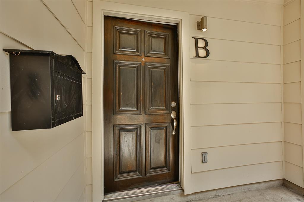 Pending | 3013 Polk  Street #B Houston, TX 77003 23