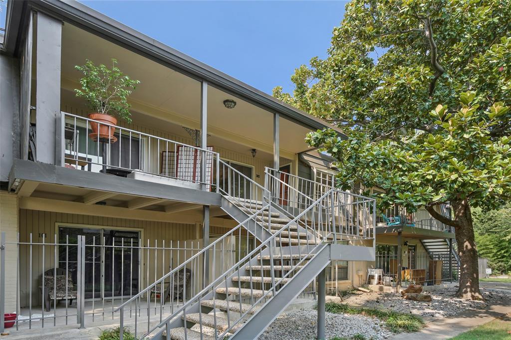 Sold Property | 5212 Fleetwood Oaks Avenue #202 Dallas, Texas 75235 1