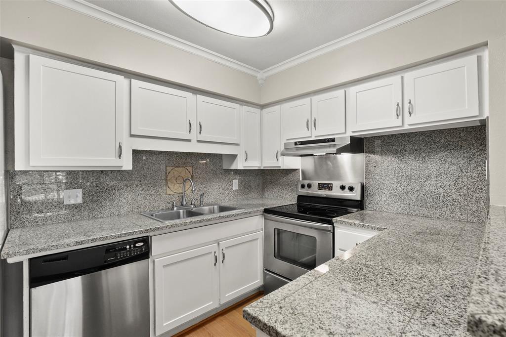 Sold Property | 5212 Fleetwood Oaks Avenue #202 Dallas, Texas 75235 2
