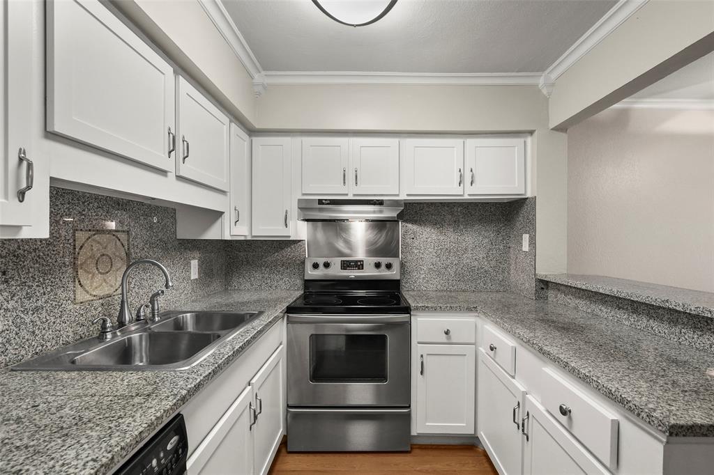 Sold Property | 5212 Fleetwood Oaks Avenue #202 Dallas, Texas 75235 3