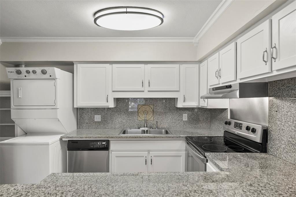 Sold Property | 5212 Fleetwood Oaks Avenue #202 Dallas, Texas 75235 4