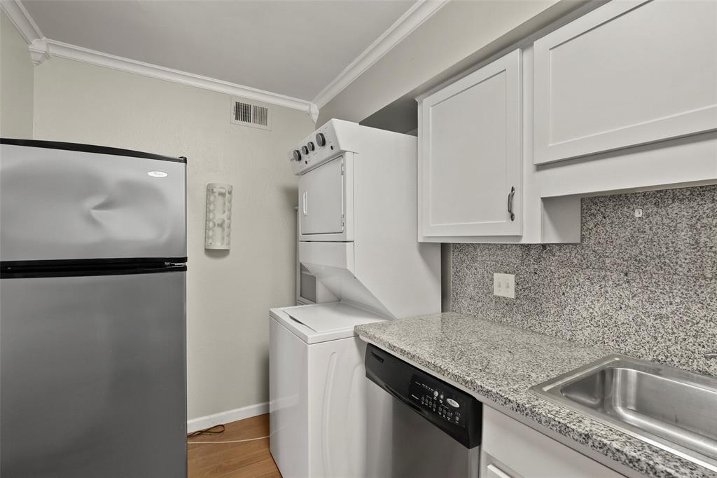 Sold Property | 5212 Fleetwood Oaks Avenue #202 Dallas, Texas 75235 6