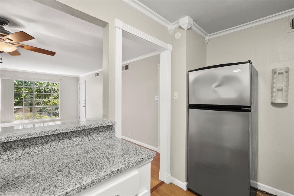 Sold Property | 5212 Fleetwood Oaks Avenue #202 Dallas, Texas 75235 7