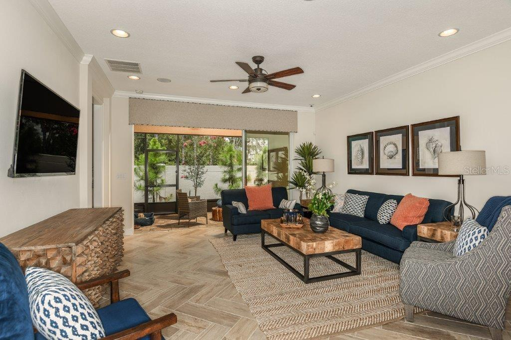 Active | 11714 WROUGHT PINE LOOP #6 RIVERVIEW, FL 33569 1