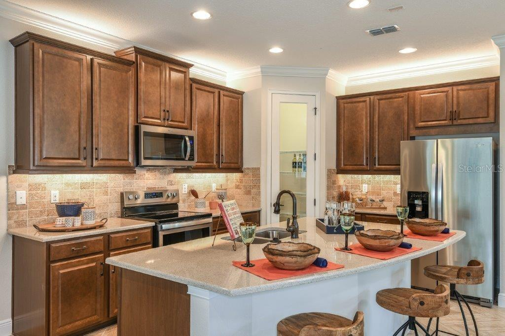 Sold Property | 11714 WROUGHT PINE LOOP #6 RIVERVIEW, FL 33569 4